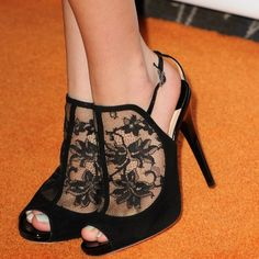 Great Gatsby influence? Lace shoes!