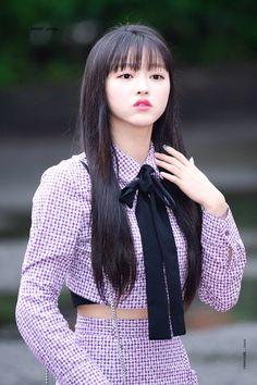 Korean Girl, Asian Girl, Oh My Girl Yooa, Pop Idol, Girl Next Door, Airport Style, Girl Photos, Pop Music, Daily Fashion