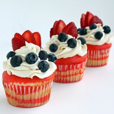 red+white+blue cupcakes