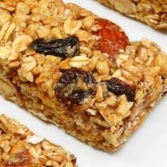 Granola+bars+are+perfect+for+a+quick+and+delicious+breakfast+or+for+an+energizing+afternoon+snack! Grab and Go Granola Bars Healthy Granola Bars, Homemade Granola Bars, Healthy Cereal, Paleo Cereal, Quinoa Cereal, Trix Cereal, Homemade Cereal, Homemade Oatmeal, Baby Cereal
