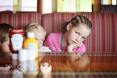 5 Ideas to Keep Kids Entertained at a Restaurant!