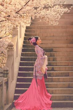 It was labelled Mulan Cosplay but, actually I think this is an authentic Chinese dress.