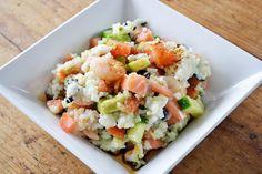 Sushi salade, lekker en makkelijk! Waarom veel tijd besteden aan het rollen van sushi als je er ook een heerlijke salade van kunt maken! Ga los met de ingrediënten die jij het lekkerst vindt: avocado, krab, zalm, komkommer. You name it!