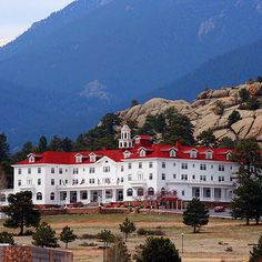 The Stanley Hotel — Estes Park, Colorado | 23 Insanely Haunted Places That'll Literally Scare The Shit Out Of You