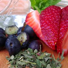 Make your own herb and fruit 'vitamin water' without all the junk! Fruit Ice, Fresh Fruit, Fruit Salad, Herbal Tea, Tea Recipes, Iced Tea, Health And Wellness, Herbalism, Strawberry