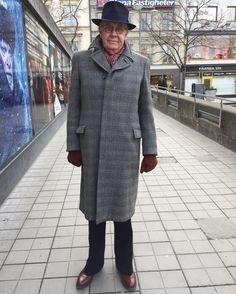 En AJAB-rock från Johnells i Nyköping. En 40-talare tror jag. #vintagemannen #dandy #dapper #dapperman #gentswear #tweed #tweedcoat #vintagehat #menwithstyle #vintage #secondhandfashion #secondhand #40s #1940sstyle #gentlemen #allenedmonds