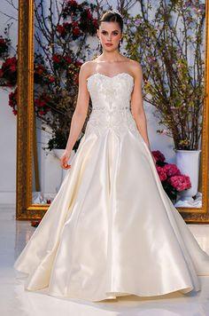 Advertisment Wedding Dress