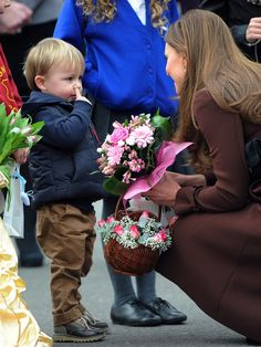 3-year-old picks nose, not flowers, for Duchess of Cambridge