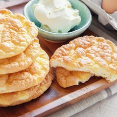Weight Watcher Recipes 87646 Weight watchers cloud bread recipe, a delicious bread for your snack, a light and melting bread.A Weight Watchers recipe too in demand. Lowest Carb Bread Recipe, Low Carb Bread, Keto Bread, Low Carb Keto, Low Carb Recipes, Bread Recipes, Cookie Recipes, Weight Watchers Bread Recipe, Weight Watchers Meals