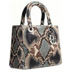 Dior Purse for sale Dior Purses, Dior Handbags, Purses And Handbags, Dior Bags, Sac Lady Dior, Dior Saddle Bag, Sacs Design, Purse Styles, Cute Purses