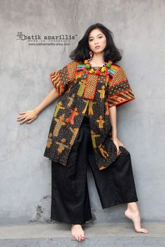 batik amarillis's kiku jacket 2 Unique & special freesize outer which is beautiful and comfy for layering, it's traditional Japanese's kimono and Mexican's traditional blouse inspired it's cut with wide classic batwing sleeves which leaves plenty room. Batik Fashion, Ethnic Fashion, Outer Batik, Batik Dress, Kimono, Filipiniana Dress, Mexican Models, Straight Cut Pants, Amarillis