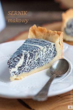 SERNIK Z MAKIEM - Każdy ma jakiegoś bzika - Pieguskowa kuchnia Polish Desserts, Polish Recipes, Cookie Desserts, Cake Recipes, Dessert Recipes, Good Food, Yummy Food, Sandwich Cake, Sweets Cake