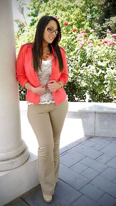 17 cute college outfits for short height girls to look tall Cute College Outfits, Casual Work Outfits, Business Casual Outfits, Curvy Outfits, Mode Outfits, Office Outfits, Work Casual, Plus Size Outfits, Fashion Outfits
