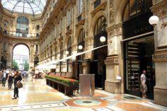 Milano. Galleria Vittorio Emanuele. Bar Gucci.