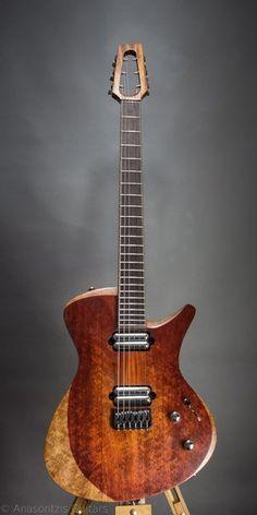 """Le modèle """"S"""" par Anasontzis Guitars. Retrouvez des cours de guitare d'un nouveau genre sur MyMusicTeacher.fr"""