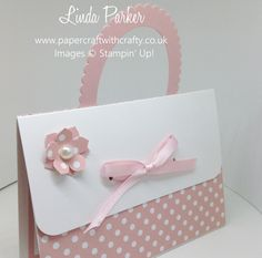 Handbag Gift Card Holder. Layering Ovals Framelits. Stampin Up. http://www.papercraftwithcrafty.co.uk/2016/10/handbag-gift-card-holder.html