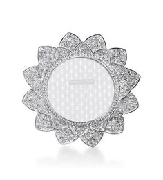 Pave Flower/ Platinum - charger plate inspiration