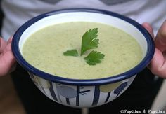 Recette Velouté pommes de terre poireaux persil Starchy Foods, Cheeseburger Chowder, Food Inspiration, Food And Drink, Menu, Homemade, Fruit, Vegetables, Cooking