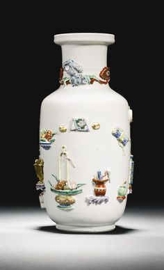 A MOULDED FAMILLE-ROSE 'HUNDRED ANTIQUES' VASE QING DYNASTY, 18TH CENTURY - Sotheby's