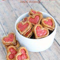http://www.simplydesigning.net/chocolate-heart-pretzels/