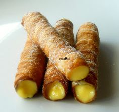 Pasteles de colores: Cañas fritas gallegas (Carballiño) rellenas de crema