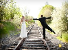 Cute idea for a best friend pose, prom pose, maybe child and parent pose