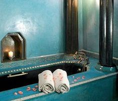 Modern Moroccan Design – The Luxury Design for Your Bathroom : Green Tosca Design For Bathroom In Morrocan With Elegant Tub In Black With Candles Space Design Morrocan Bathroom, Moroccan Room, Moroccan Blue, Modern Moroccan, Moroccan Design, Master Bathroom, Small Bathroom, Bathroom Green, Moroccan Interiors