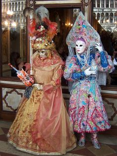 The Venice carnival is just a little over a month away and I can& stop daydraming about it. The last time Balazs and I went to Venice wa. Venice Carnival Costumes, Venetian Carnival Masks, Carnival Of Venice, Venetian Masquerade, Masquerade Ball, Carnival Ideas, Venice Carnivale, Masquerade Costumes, Venice Travel