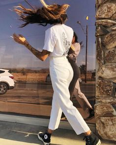 Afends Womens Shelby - Hemp High Waist Wide Leg Pant - The overwhelming popularity of our Afends Shelby Jeans has cemented them a place in our collection - Looks Street Style, Looks Style, Fashion Mode, Look Fashion, Ladies Fashion, Retro Fashion, Mode Outfits, Fashion Outfits, Fashion Tips