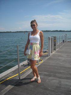 Simona Halep at Beack Sea in Constanta-Romania French Open, Simona Halep Dress, Wimbledon, Tennis Live, Sports Celebrities, Tennis Stars, Sports Women, Female Sports, Tennis Players