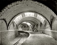 "New York circa 1904. ""City Hall subway station."" 8x10 inch dry plate glass negative, Detroit Publishing Company."