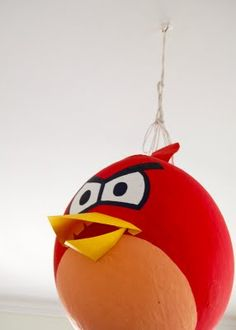 the pinata J wants DIY Angry Birds piñata Angry Birds Pinata, Cumpleaños Angry Birds, Bird Birthday Parties, Birthday Fun, Birthday Ideas, Christmas Chalkboard, Bird Crafts, Recycling, Party Time