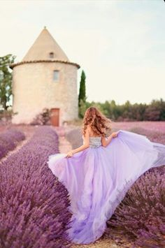 Lilac and Lavender ~ Ana Rosa Lavender Cottage, Provence Lavender, Lavender Blue, Lavender Fields, French Lavender, Lavender Flowers, Rose Fushia, Lavender Dresses, Miss Dior