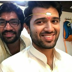 Vijay Devarakonda Girlfriend and Family Samantha Ruth, Vijay Devarakonda, Dear Crush, Red Shirt, Celebs, Celebrities, Telugu, Biography, Cute Couples