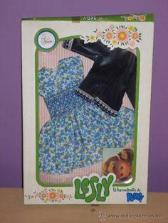 CONJUNTO LESLY AZULES (FAMOSA) (Juguetes - Vestidos y Accesorios Muñeca española Moderna)