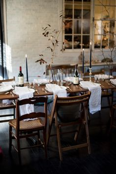 Natural table setting with gorgeous large table napkins.
