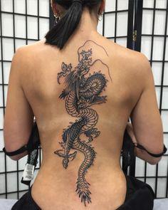 Pretty Tattoos, Cute Tattoos, Beautiful Tattoos, Tatoos, Stomach Tattoos, Body Art Tattoos, Hand Tattoos, Dragon Tattoo Back, Dragon Tattoo For Women