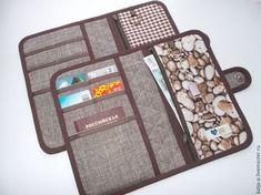 Best 12 Wallets sewing pattern with 27 pockets PDF by NapkittenPattern – SkillOfKing. Wallet Sewing Pattern, Pouch Pattern, Sewing Patterns, Sew Wallet, Fabric Wallet, Sewing Tutorials, Sewing Crafts, Sewing Projects, Handmade Wallets