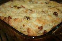 Deep South Dish: Old Fashioned Southern Bread Pudding Southern Desserts, Just Desserts, Delicious Desserts, Dessert Recipes, Baking Desserts, Southern Food, Southern Comfort, Southern Recipes, Sweet Recipes