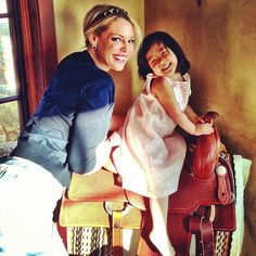 Katherine Heigl and her daughter Naleigh posed for this sweet snap this week!