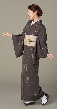 鈴乃屋オリジナルコレクション 衣のいのち Vol.39|きもの鈴乃屋 Traditional Japanese Clothing Male, Traditional Fashion, Traditional Outfits, Japanese Outfits, Japanese Dresses, King Outfit, Male Kimono, Kimono Japan, Japan Outfit