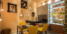#decoração Veja o ambiente ideal para degustar seus vinhos prediletos e aproveitar a companhia dos amigos: http://bbel.me/1ypx9oz.