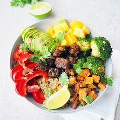 Gezonde buddha bowl Falafel Salad, Quinoa Salad, Cobb Salad, Easy Salads, Healthy Salads, Healthy Food, Salad Recipes, Vegan Recipes, Winter Food