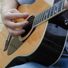 VIOLÃO E GUITARRA  -  CURSO COMPLETO: Violão e Guitarra - A técnica da mão direita