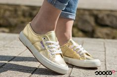 Some days you just need a bit of gold  https://www.sooco.nl/superga-2750-cotmetu-gouden-lage-sneakers-30923.html