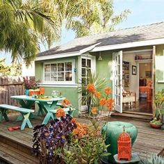 beautiful flow between indoors and out and between deck and yard
