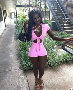 Beautiful Dark Skinned Women, Beautiful Black Girl, Black Girl Magic, Black Girls, Cute Summer Outfits, Cute Outfits, Pretty In Pink, Pretty Dark Skin Girls, Dark Skin Beauty
