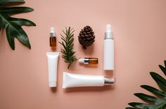 natural cosmetic cream , serum, skincare blank bottle packaging with leaves herb, wood .beauty and spa concept. Mascara, Skincare Packaging, Still Life Images, Cosmetics Industry, Bottle Packaging, Natural Cosmetics, Commercial Photography, Natural Skin Care, Skin Care Tips