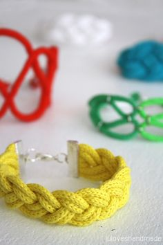 DIY: Nautical Rope Bracelets.
