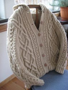 Whitney Double-X Hooded Cardigan - free knitting pattern Free Aran Knitting Patterns, Knit Patterns, Free Knitting, Cable Knitting, Sweater Patterns, Aran Sweaters, Knitting Sweaters, Knit Cardigan Pattern, Cable Cardigan